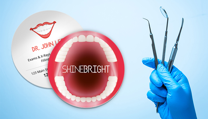 Circle Mouth Dentist Business Card